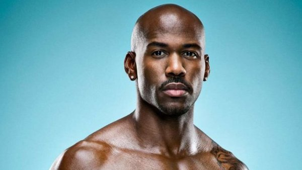 "FitMyLife App Commercial with ""Biggest Loser"" Trainer Dolvett Quince"